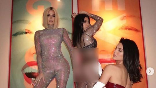 Kendall Jenner Pamer Keseksian Bareng Khloe dan Kourtney