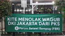 FBR Tebar Spanduk Tolak Wagub DKI dari PKS!