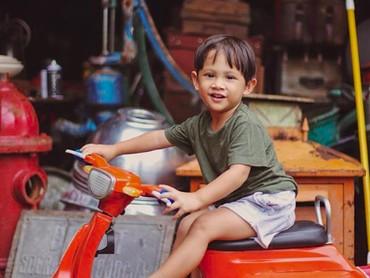 Anak pertama Andien Aisyah dan Irfan Wahyudi (Ippe) sekarang genap berusia dua tahun lho, Bun. (Foto: Instagram/andienaisyah)