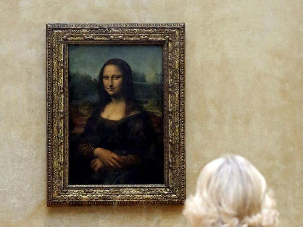 Ketika Si Pemilik Senyum Misterius Monalisa Ikut Terbang Maskapai Prancis