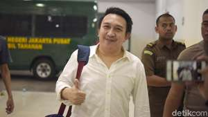 Charly Siap Ngamen Demi Gedung KPK