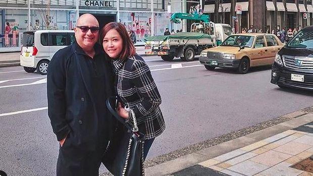 Maia dan Irwan di Jepang.