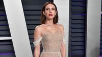 Bertengkar, Emma Roberts Blokir Sang Ibu di Instagram