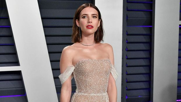 BEVERLY HILLS, CA - FEBRUARY 24:  Emma Roberts attends the 2019 Vanity Fair Oscar Party hosted by Radhika Jones at Wallis Annenberg Center for the Performing Arts on February 24, 2019 in Beverly Hills, California.  (Photo by Dia Dipasupil/Getty Images)