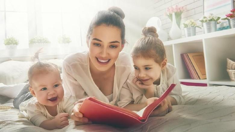 Dampak Memaksa Anak Belajar Membaca Terlalu Dini /Foto: istock