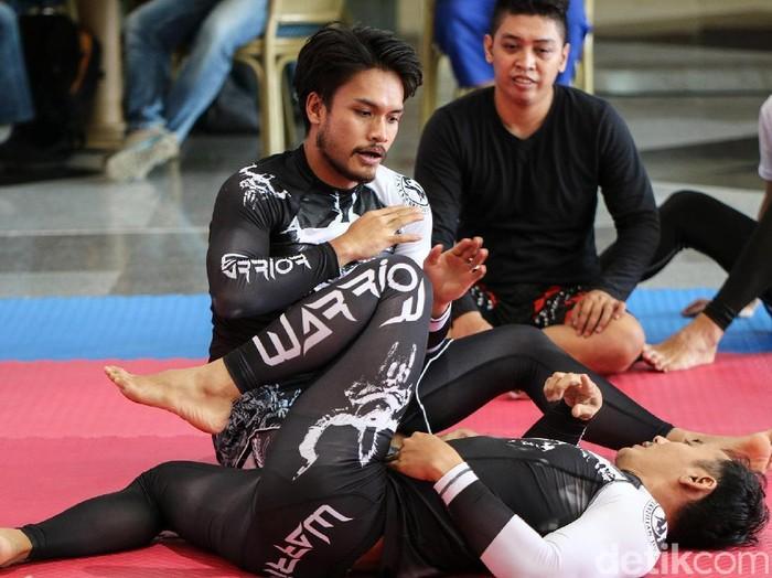 Randy Pangalila tengah menggandrungi Mix Martial Arts (MMA) (Foto: Ayunda Septiani/detikHealth)
