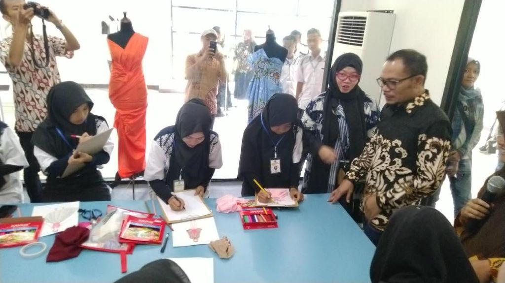 Jurus Menaker agar Lulusan BLK Tak Hanya Jadi Buruh Garmen