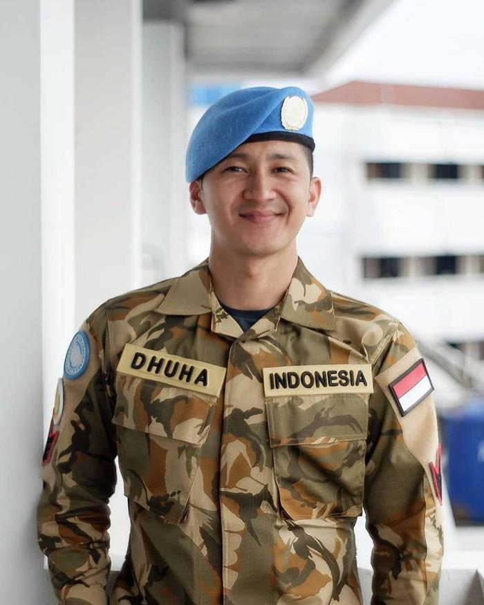 Pemilik nama lengkap Dhuha Yuu Al Fatih ini adalah anggota TNI Angkatan Udara yang berasal dari Sabang. Tubuhnya yang kekar serta berparas tampan membuat Dhuha banyak memiliki fans. Foto: instagram @dhu_yuand