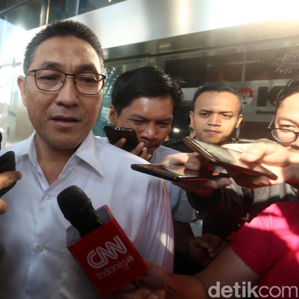 Dibawa KPK, Anggota DPR F-PAN Sukiman Tolak Ikut Adegan Rekonstruksi Suap