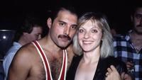 Meski keduanya telah berpisah, Freddie tetap mencintai Mary.Dok. Vintag.es