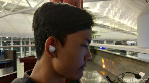 Samsung Galaxy Buds, Layakkah Jadi Penantang Apple AirPods?
