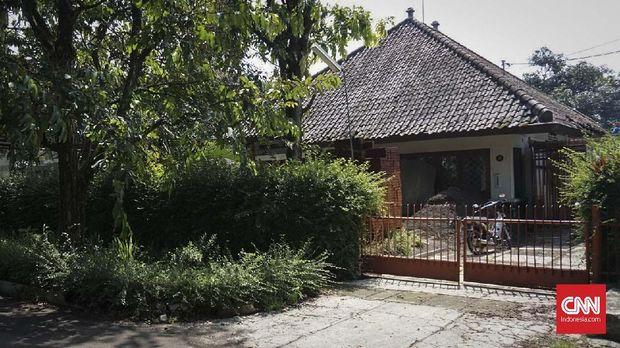 Rumah Dilan kini dibeli oleh seorang penggemar Dilan.