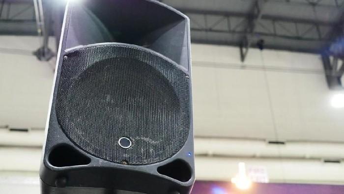 Sound system dari acara hajatan seharusnya tidak lebih dari 88 desibel. Foto: iStock