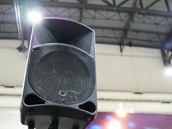 Dentuman sound system bisa mengganggu irama jantung (Foto: iStock)
