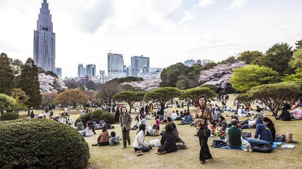 Ilustrasi Yoyogi Park, Tokyo. (