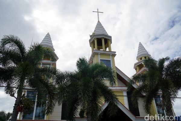 Inilah Gereja PNIEL, gereja pertama dan tertua di Kota Bitung, Sulawesi Utara. Konon, usianya lebih dari 1 abad. (Wahyu/detikTravel)