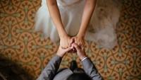 Miris! Pasangan Batal Nikah Gegara Calon Mertua Pria dan Wanita Kawin Lari