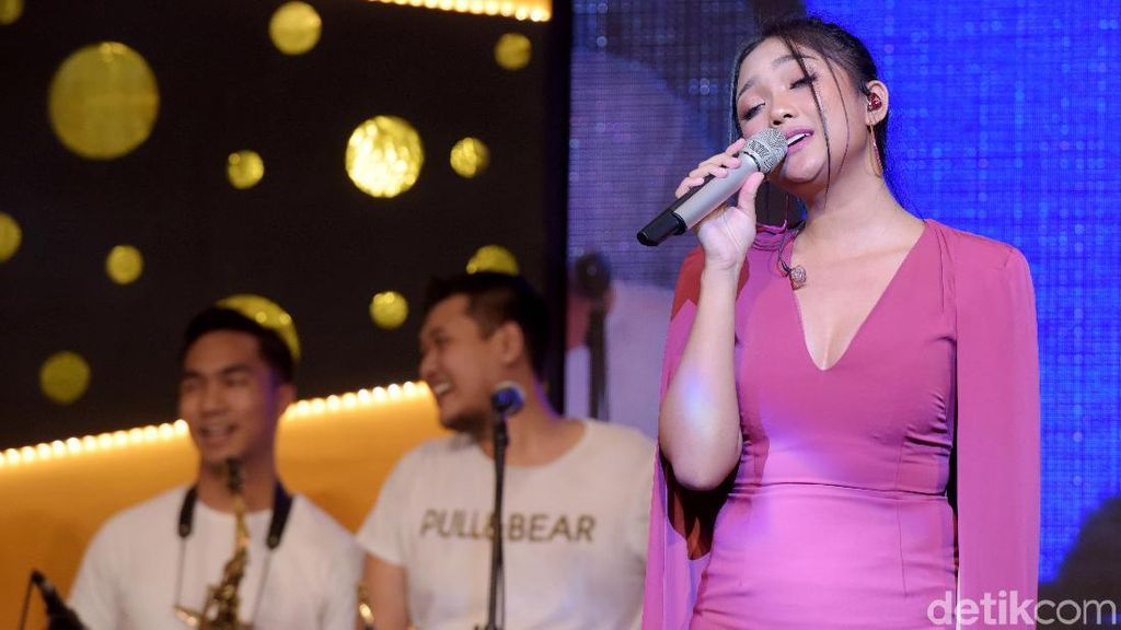Dibully Netizen karena Dukung Seungri, Marion Jola: No Comment
