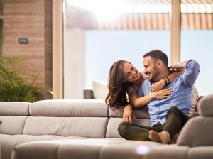 Riset Membuktikan Akhir Pekan Waktu Favorit Pasangan untuk Bercinta
