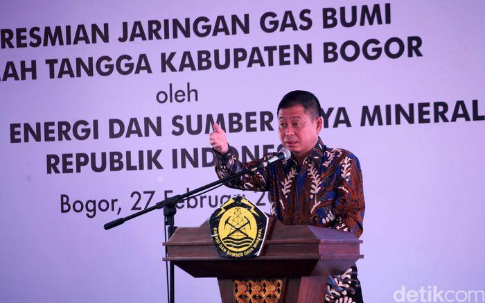 Jonan memberikan sambutan terkait Jaringan Distribusi Gas Bumi (Jargas) Rumah Tangga.