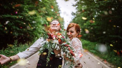 18 Ucapan Mengganggu untuk Pasangan Baru Menikah