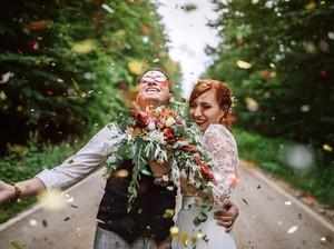 Viral Foto Pengantin Wanita dan Bridesmaids Pegang Botol Bir Dikritik