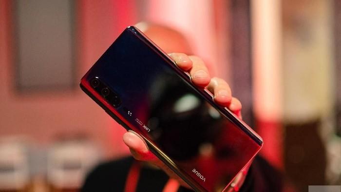 Prototipe Huawei P30 Pro yang dibawa ke MWC 2019 di Barcelona. Foto: Digital Trends