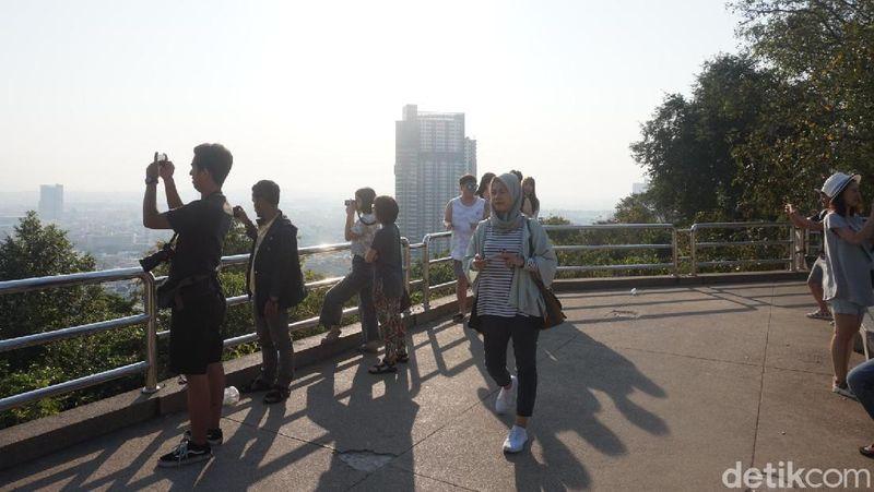 Lokasinya sekitar 15 menit dari Pantai Pattaya, bisa ditempuh menggunakan kendaraan bermotor (Shinta/detikTravel)