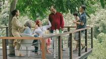 Mengintip Keseruan Keluarga Kecil Atiqah Hasiholan Saat kulineran