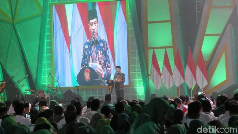 Hadiri Harlah ke-46 PPP, Jokowi Ingatkan Bahaya Hoax Pintu ke Pintu