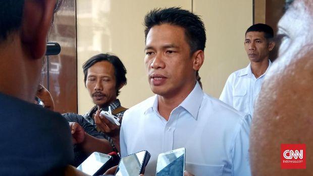 Dirkrimsus Polda Jatim Kombes Pol Achmad Yusep Gunawan enggan memberi keterangan soal OTT terhadap Romi.