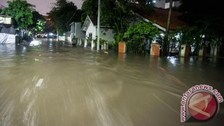 Bangka Banjir, Sekolah-RS Rusak