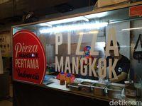 Pizza Mangkok : Uniknya Pizza Enak Dengan Keju Mulur Berlimpah