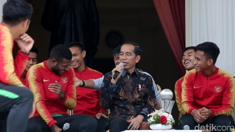 Curhat Pemain Timnas U-22 ke Jokowi: Ingin Jadi PNS hingga Jalan Rusak