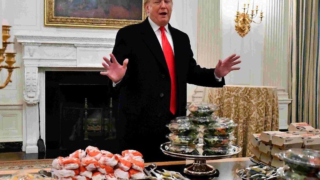 Doyan Fast Food, Donald Trump, Bikin Pesta Fast Food Untuk Mahasiswa Berbakat