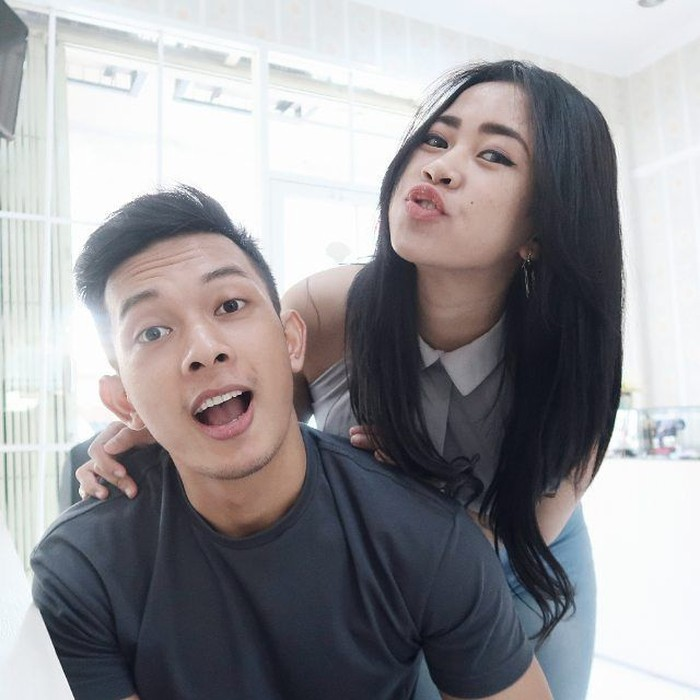 Daffa Fathur dan Gita VBPR adalah pasangan yang sering jadi couple goals. Keduanya sama-sama sukses dan saling menyemangati untuk menjalani gaya hidup sehat. (Foto: Instagram/daffacho, ditampilkan atas izin yang bersangkutan.)