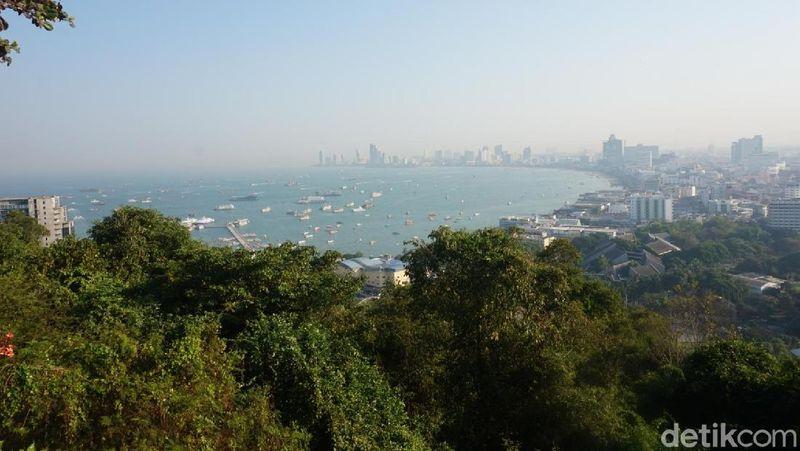 Inilah Pattaya View Point, sebuah tempat menikmati kota Pattaya dari ketinggian (Shinta/detikTravel)