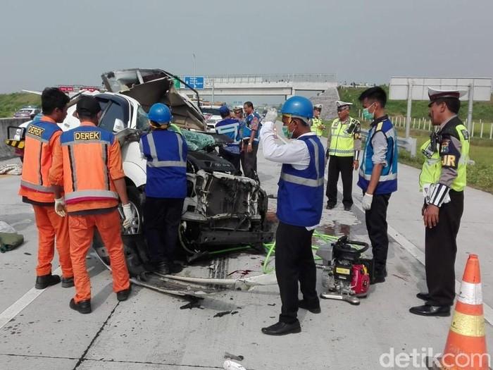 Kecelakaan di Tol Madiun/Foto: Istimewa