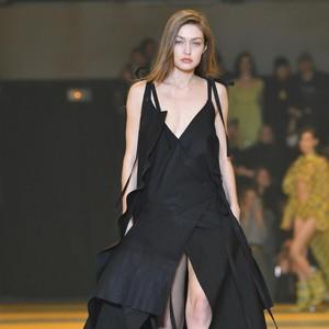 Gigi Hadid Pamer Makan Kentang Goreng McDonald, Netizen Menghujat