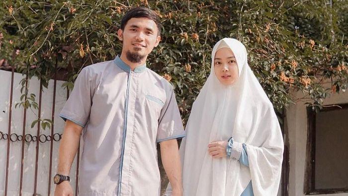 LIndswell Kwok dan suami, Achmad Hulaefi (Instagram/LindswellKwok)