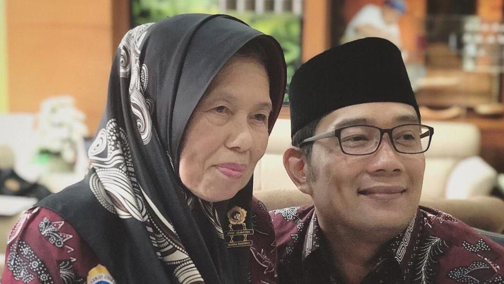Bukti Kalau Ridwan Kamil Pencinta Bandros, Camilan Sunda