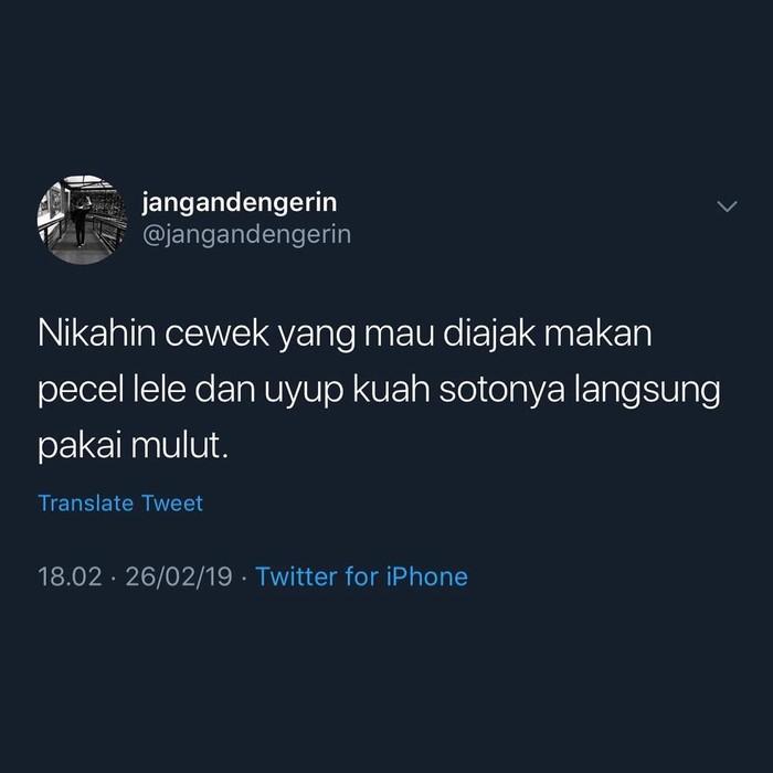 Berawal dari cuitan pengguna twitter yang mengaku akan menikahi cewek yang makan kuah soto langsung dari mangkuknya. Kini banyak netizen yang ikut meramaikan cuitan ini. Foto: Twitter