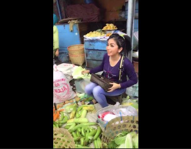 Penjual sayur mirip Syahrini