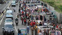 PKL Kembali Duduki Jalanan di Senen