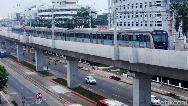 Jajal MRT dari HI Sampai Lebak Bulus, Warga: Beneran On Time