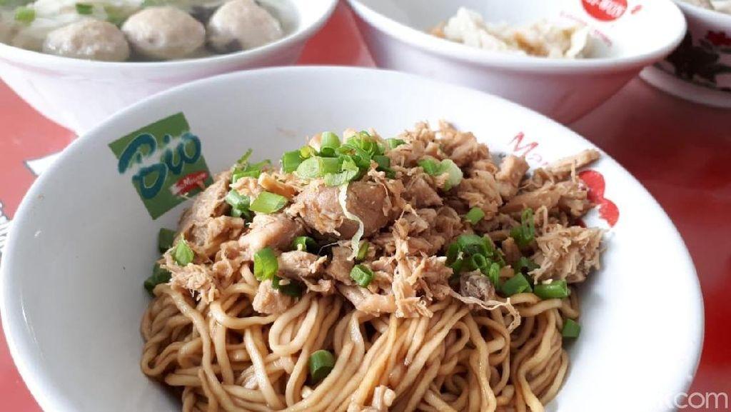 Ada di Bandung? Jangan Lupa Sarapan Bakmi Ayam Legendaris di 5 Tempat Ini