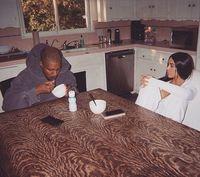 Foto Sarapan di Dapur Sederhana, Kim Kardashian dan Kanye West Diejek Netizen