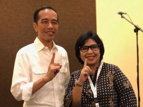 Irma Suryani Chaniago bersama Jokowi