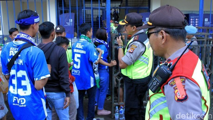 1.500 personel gabungan bakal amankan laga Persib vs Borneo. (Foto: Wisma Putra/detikcom)