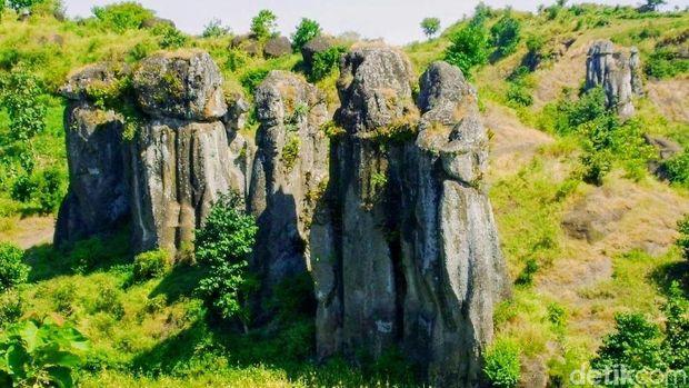 Betoh So'on, Stonehenge van Java dari Bondowoso